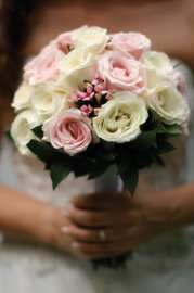 bridal bouquet design white and pink roses