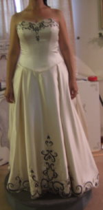 wedding gown with color black and ivory