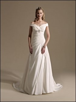 choosing a wedding dress for apple shape body type