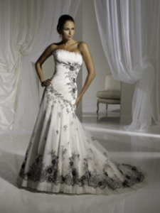 beautiful black and white wedding dress, mia solano