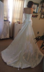 wedding dress bustle for chapel length train