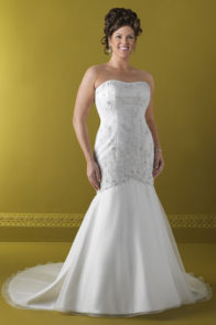 plus size bride, plus size bridal gown