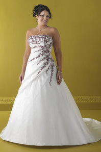 plus size bride, plus size brides, plus size wedding dress