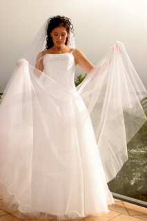 tulle wedding dresses, tulle bridal gowns, tulle wedding gowns