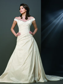 Off the shoulder a-line wedding dress for pear shape body type
