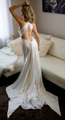 Backless Wedding Dresses Need Help Finding Very Low Back Amy Michelson Millionaire
